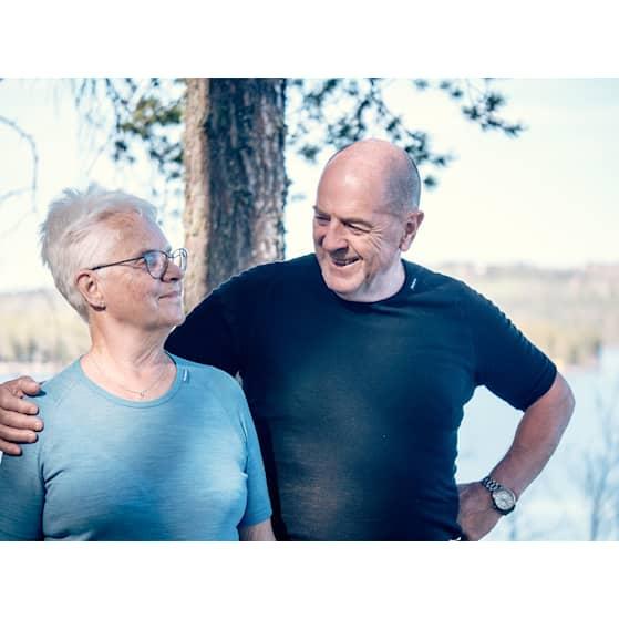 Older active couple - stor (283771).jpg